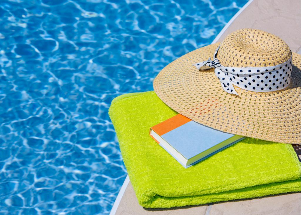livro e piscina